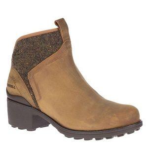 NIB Merrell Chateau boots